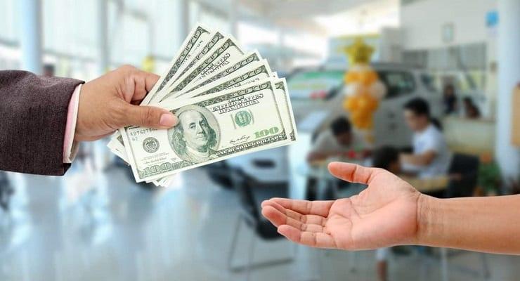 Handgiving Cash